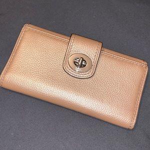 Like New Coach Bi-Fold Turnlock Wallet - Gold